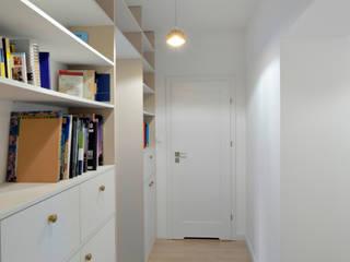 Sesja zdjęciowa mieszkania w Rembertowie dla Boho Studio: styl , w kategorii Korytarz, przedpokój zaprojektowany przez Archilens Fotografia wnętrz i architektury