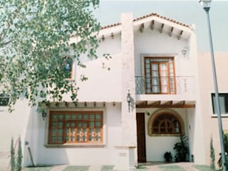 Casas de estilo mediterráneo de Base-Arquitectura Mediterráneo