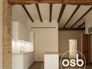 Rustic style kitchen by osb arquitectos Rustic