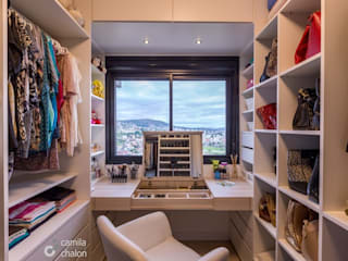 Modern style dressing rooms by Camila Chalon Arquitetura Modern