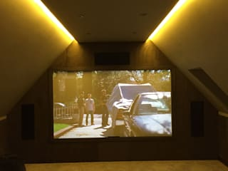 Loft Cinema Room with fabric walls and LED lowered ceiling Designer Vision and Sound Phòng giải trí phong cách hiện đại