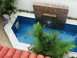 tropical  by Arq Eduardo Galan, Arquitectura y paisajismo, Tropical