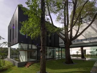 AR43 Architects Pte Ltd Modern garden