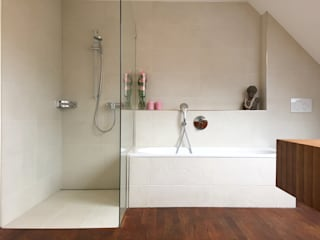 Modern bathroom by Global Inspirations Design Modern