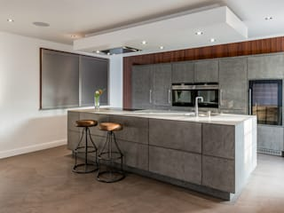 Beton and deda in Warrington Modern style kitchen by Deseo Modern
