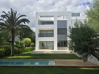 Appartementhaus Alcudia Moderne Pools von CIP Architekten Ingenieure Modern