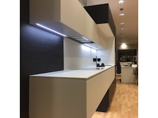 Modern Kitchen by Buk Design Leon Modern
