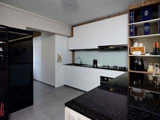 Modern kitchen by HMG Design Studio Modern