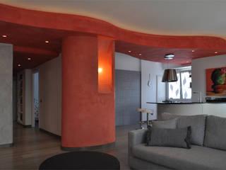 Soggiorno con isola cucina: Soggiorno in stile in stile Minimalista di Claudio Renato Fantone Architetto - laboratorio di architettura olistica