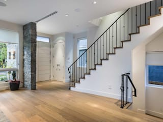 Alice D'Andrea Design Modern Corridor, Hallway and Staircase White