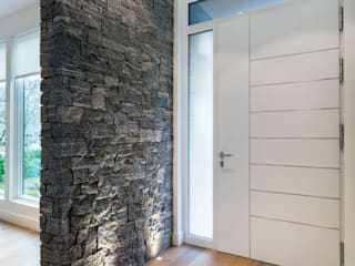 VANCOUVER - NEW CONSTRUCTION Alice D'Andrea Design Modern Corridor, Hallway and Staircase Granite White