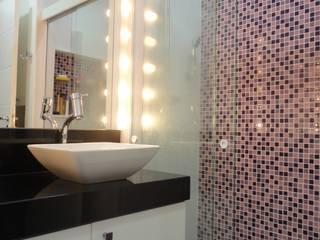 BANHEIRO NA TIJUCA: Banheiros  por Maria Helena Torres Arquitetura e Design