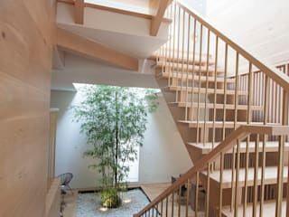 staris Modern corridor, hallway & stairs by AtelierSUN Modern Engineered Wood Transparent