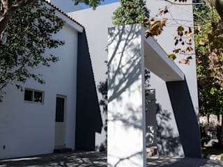 Garages de estilo  por Excelencia en Diseño,