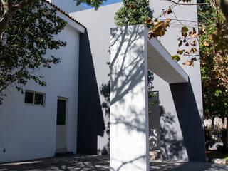 CASA ESPACIO DIONISIACO Garajes modernos de Excelencia en Diseño Moderno