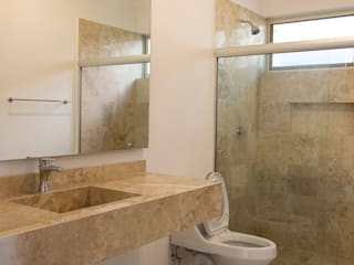 Modern bathroom by Excelencia en Diseño Modern Marble