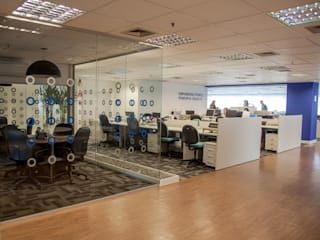 VERONA CARPETES E VINILICOS Office spaces & stores