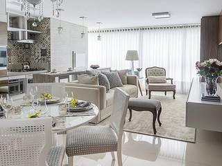 Clássico na medida certa Salas de estar clássicas por Paulo Spessatto Arquitetura e Interiores Clássico