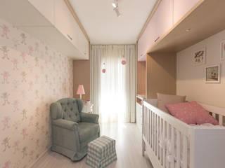 Projekty,  Pokój dziecięcy zaprojektowane przez Kali Arquitetura