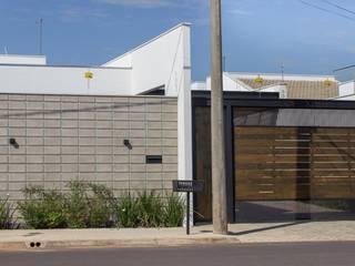 CASA ATS Casas modernas por Cornetta Arquitetura Moderno