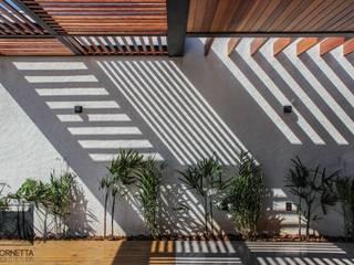 Rumah Modern Oleh Cornetta Arquitetura Modern