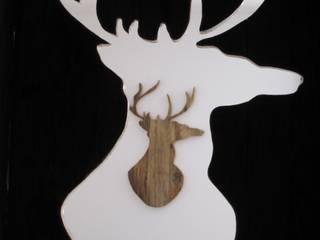 Sagome di cervo: Soggiorno in stile  di Archigiano