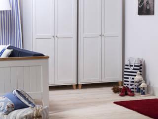 Pokój dzienny w stylu skandynawskim - meble Siena by Woodica: styl , w kategorii  zaprojektowany przez Woodica