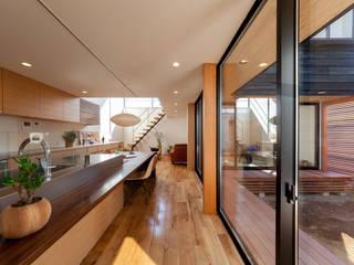 Dining Room モダンデザインの ダイニング の STaD(株式会社鈴木貴博建築設計事務所) モダン