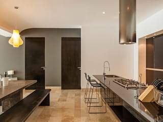Kitchen by MORADA CUATRO,