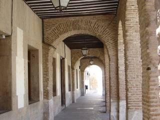 Excmo. Ayuntamiento Corral de Almaguer Casas de estilo clásico de Estudio Dva Arquitectos S.l.p. Clásico