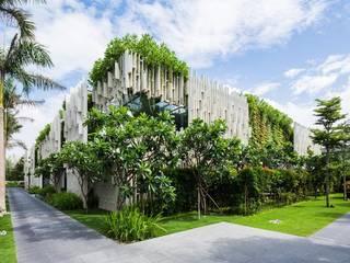 designer  paysagiste : Maisons de style  par deco paysage concept Marbella