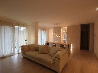 Minimalistische Wohnzimmer von RO|a_ Minimalistisch