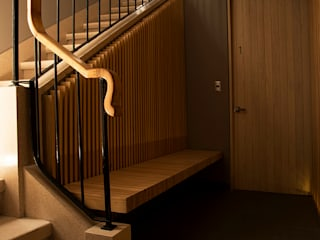 Laredo 18: Pasillos y recibidores de estilo  por Wolff Arquitectura
