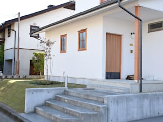 Casas modernas de さくま建築設計事務所 Moderno