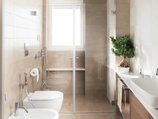 Bathroom by manuarino architettura design comunicazione, Modern