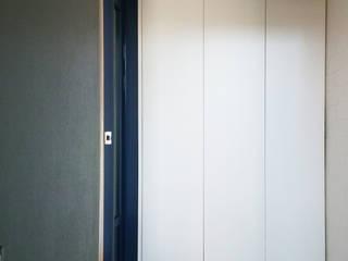 혜화동 빌라 리모델링: 디자인팩토리9MM의  드레스 룸