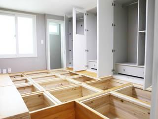 Closets de estilo moderno de 디자인팩토리9MM Moderno