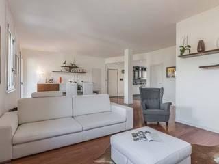 Salas de estar modernas por Facile Ristrutturare Moderno