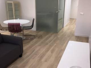 Reformadisimo ห้องนั่งเล่นโต๊ะกลางและโซฟา