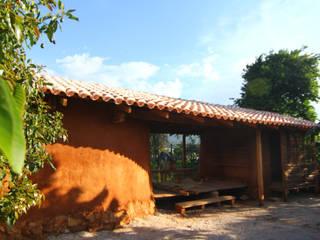 Nhà phong cách mộc mạc bởi Juan Carlos Loyo Arquitectura Mộc mạc