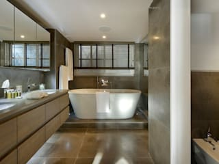 Bathroom :  Bathroom by MN Design