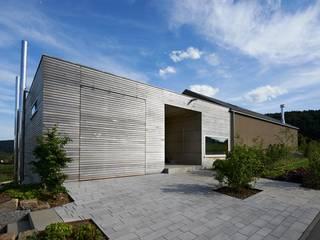 Einfamilienhaus auf der Alb mit Holz-Aluminium Fenster:  Fenster von Karl Moll GmbH