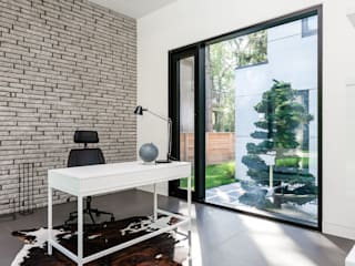 New Build-Staging:  Study/office by Frahm Interiors