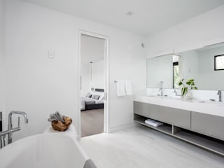 Modern bathroom by Frahm Interiors Modern