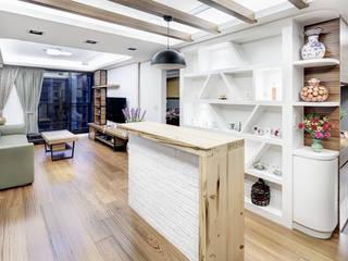 唯創空間設計公司 Moderne eetkamers