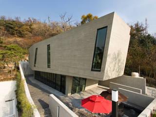 Maisons modernes par 한돌 건축사사무소 Moderne