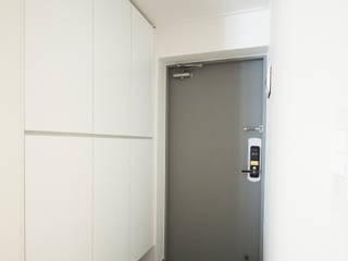 삼플러스 디자인 Moderne gangen, hallen & trappenhuizen