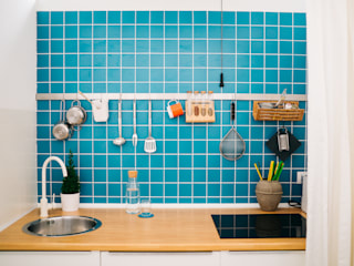 Cocinas de estilo moderno de mksarchitetti Moderno