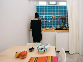 mksarchitetti Cocinas de estilo moderno Azulejos Turquesa