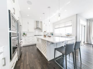 Broadview Showhome: modern Kitchen by Sonata Design